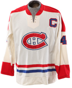 Original sweater worn by Montréal Canadiens' Jean Belivéau